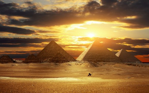 PageLines- Pyramids_Wallpaper_HD_by_JackXan.jpg